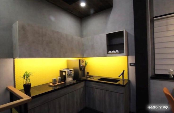 于隆建設 - 輕工業風格商業辦公室