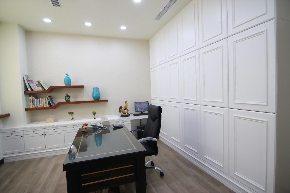 海冠商業空間-老闆娘辦公室