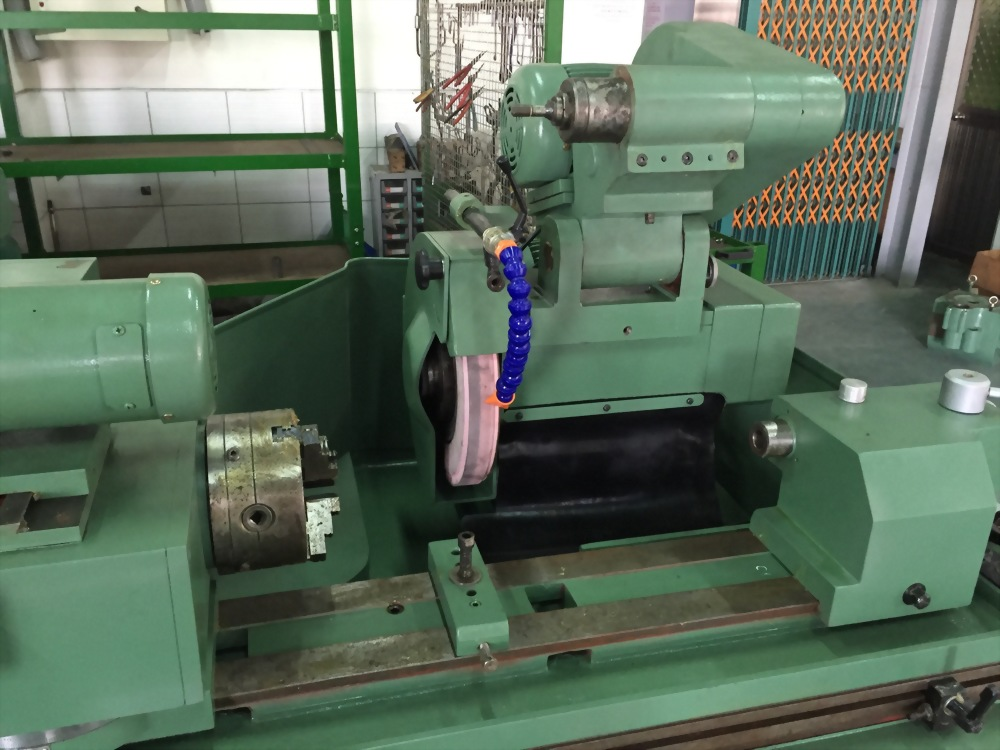 Circular shaft precision grinding machine