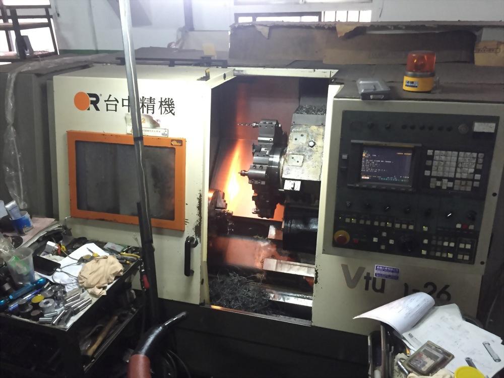 台中精機 CNC 26 車床(旋徑400mm)