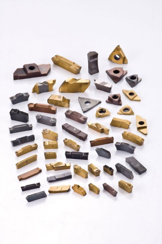 Carbide grooving inserts