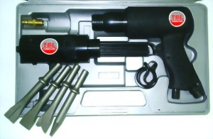"""190mm Hex. Shank Air Hammer With Needle Scaler Attachment & 4 Pcs 5"""" Chisels"""
