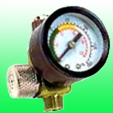 AIR REGULATOR w/150 PSI PRESSURE GAUGE