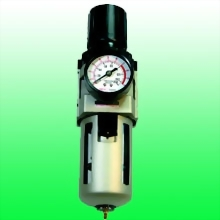 "3/8"" (1/4"") FILTER/REGULATOR FLOW RATE: 2000 L/MIN"