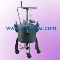 10L. DOME TYPE PRESSURE FEEDTANK (MANUAL AGITATING)
