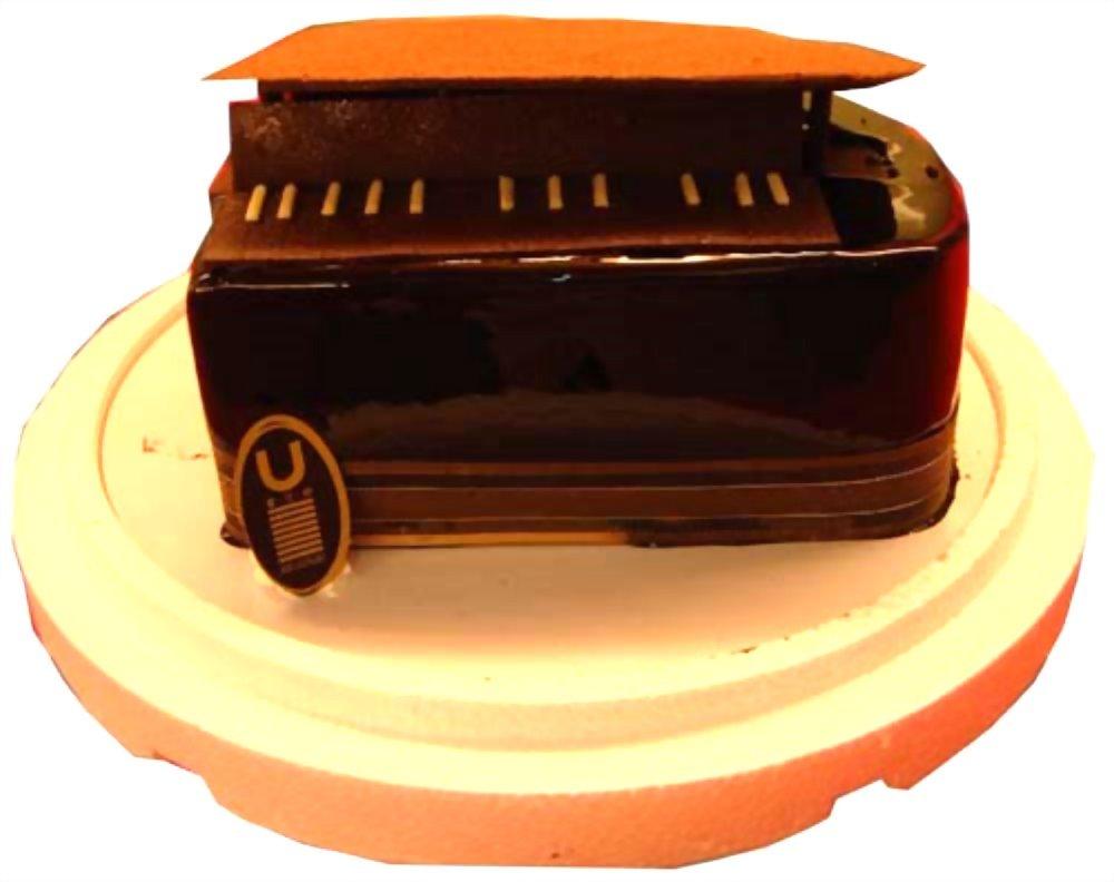 造型蛋糕 | 優仕紳鋼琴蛋糕