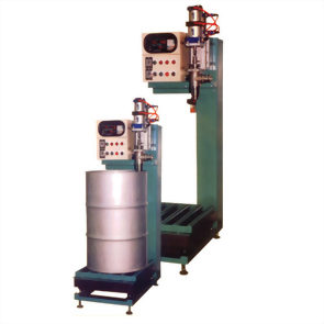 AUTOMATIC WEIGHING FILLING AND PACKING MACHINE FOR LIQUID BY MICRO-COMPUTER