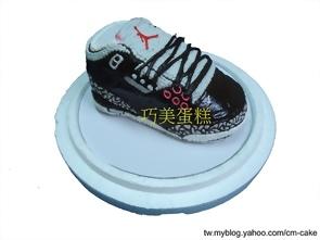 喬登11代紅黑款一雙球鞋造型蛋糕