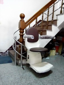 起點180升降椅