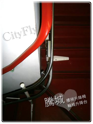 苗栗L型90度樓梯升降椅