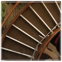 C形 / 圓弧型樓梯升降椅
