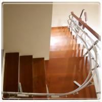 外彎型樓梯升降椅