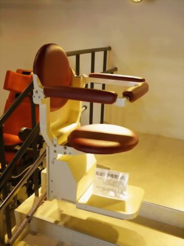 CF-120單人樓梯升降椅-咖啡