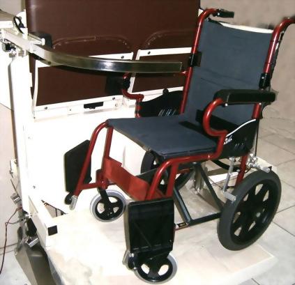 雙人及輪椅兩用樓梯升降平台
