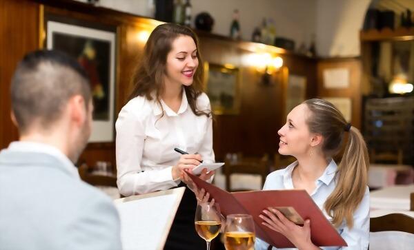 英語課程+四星級飯店(渡假村)帶薪實習(六個月)