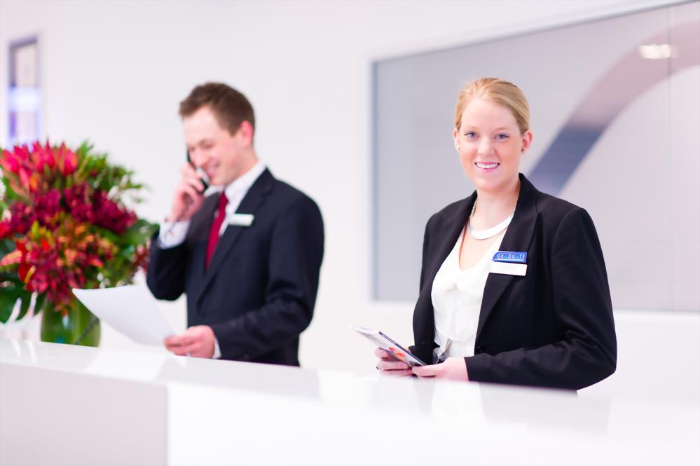 餐飲和飯店經營管理課程+帶薪實習(52週)