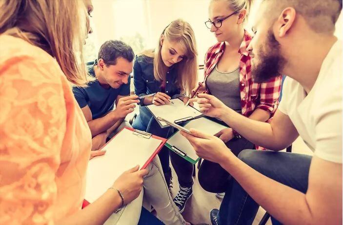 商務溝通和顧客服務文憑課程+帶薪實習(24週,32週,40週,48週)