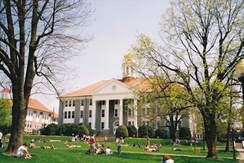 詹姆斯麥迪遜大學 James Madison University
