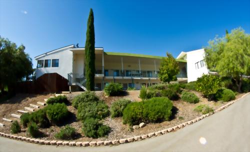Besant Hill School of Happy Valley 貝赛特山中学