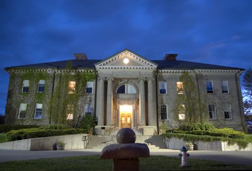 Brewster Academy 布魯思特中學
