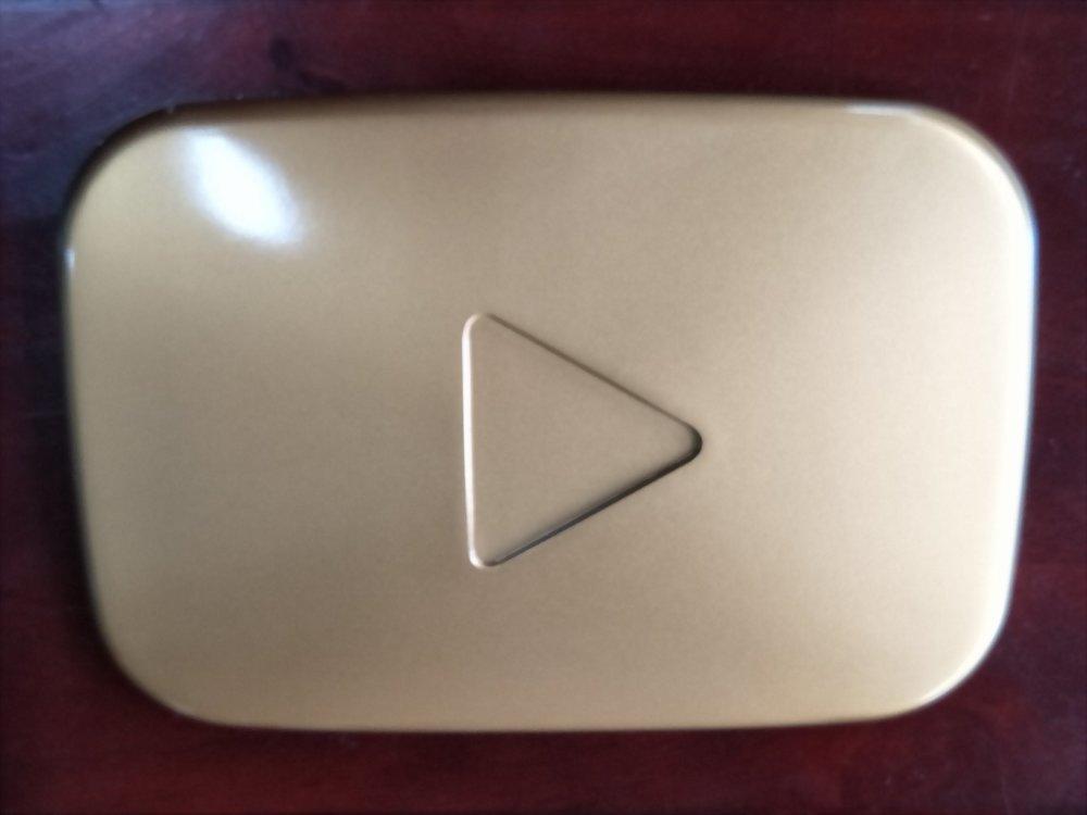 公仔礼赠品 | Youtube LOGO 2