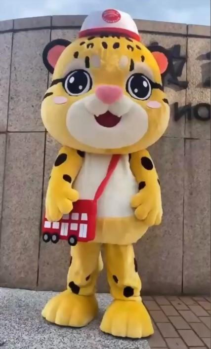 布偶裝(人偶裝)-台北市雙層巴士 抱豹 6