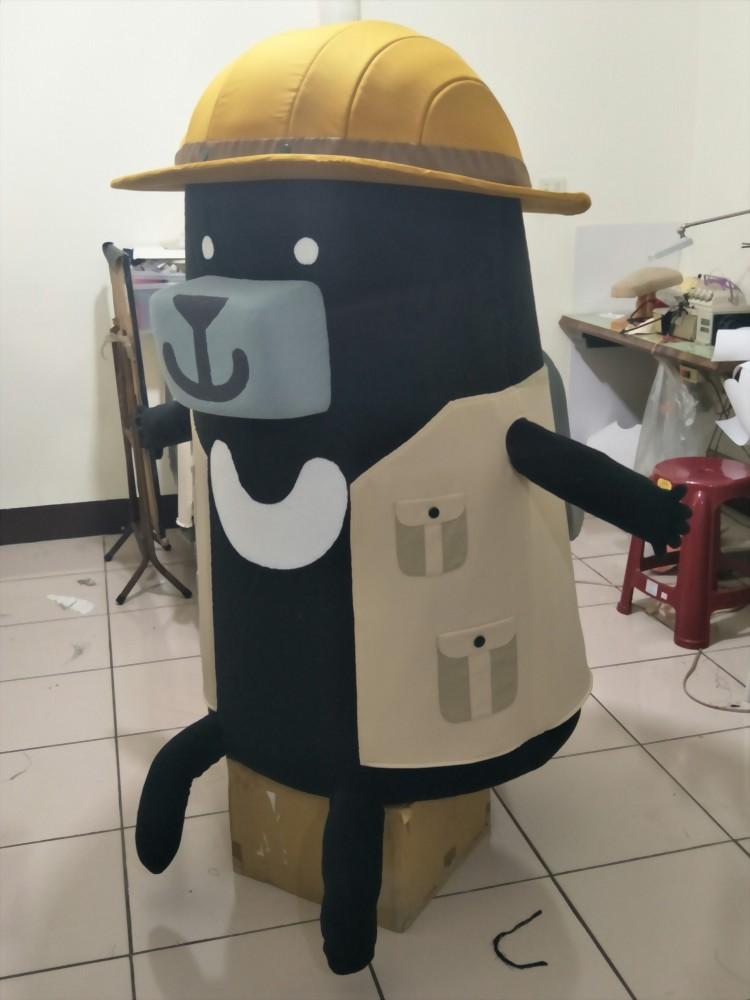 大型絨毛玩偶製作-臺灣吧-黑啤 | 巧匠工藝 1