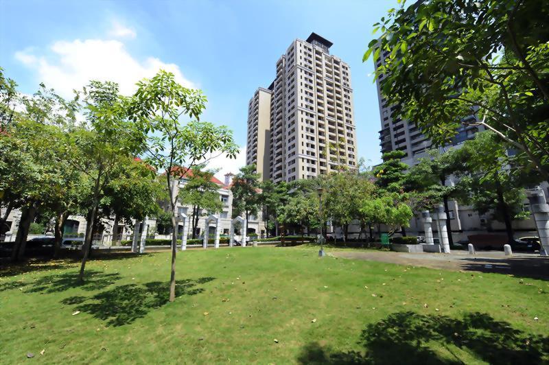 東方花園廣場
