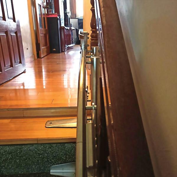 電動爬梯椅