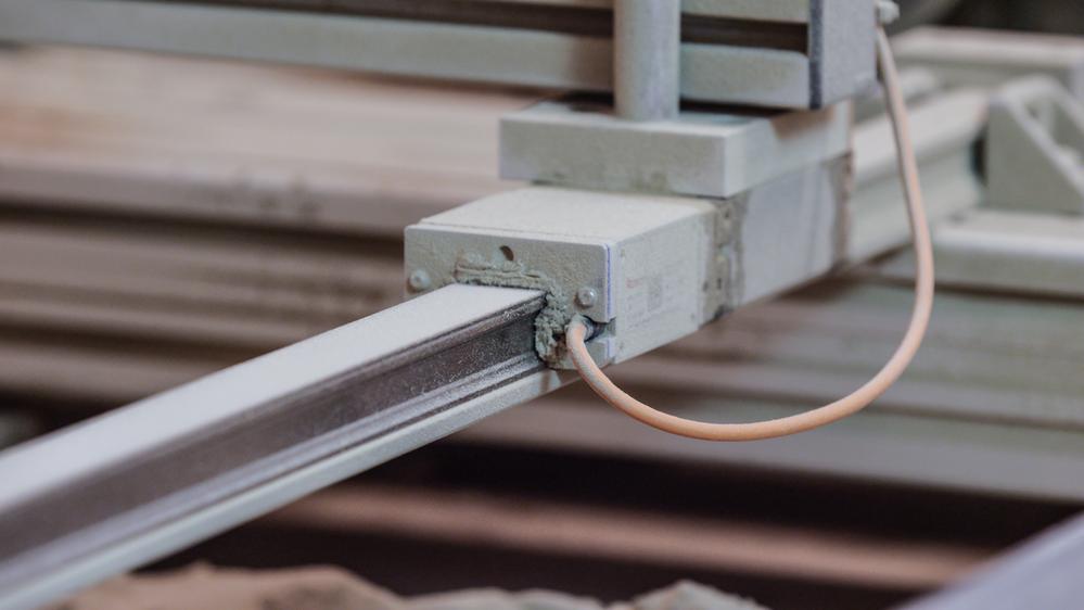 附防護帶&防護端蓋和內製測量刻度之滾珠導軌[R1605 .6 ...]