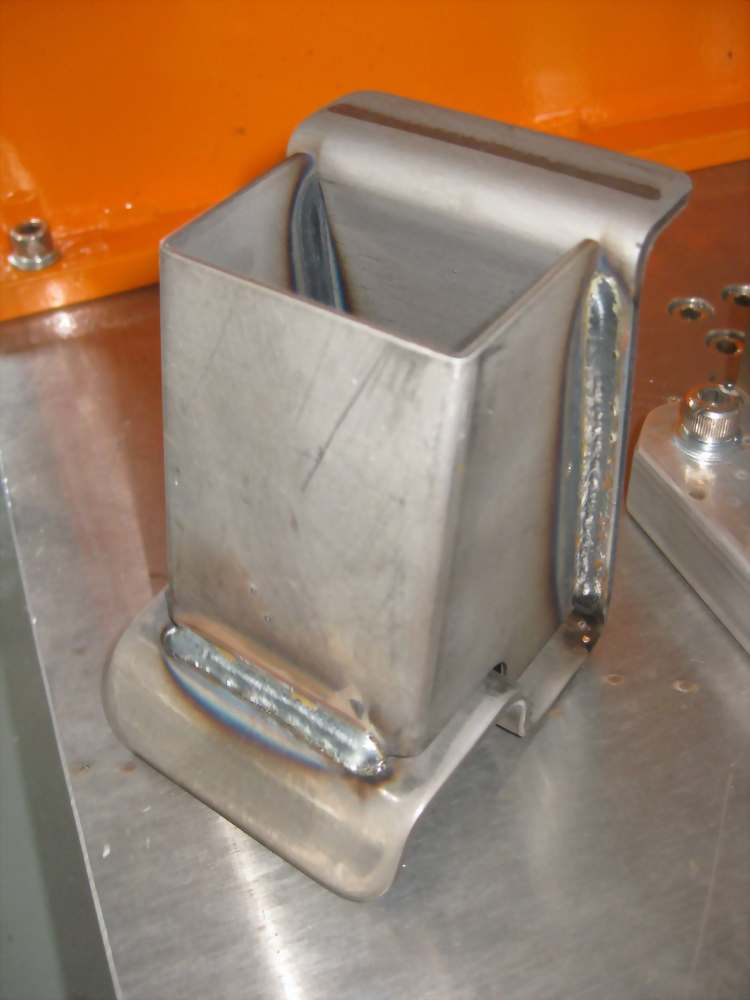 交換換模三槍式(焊倉庫籠腳架)