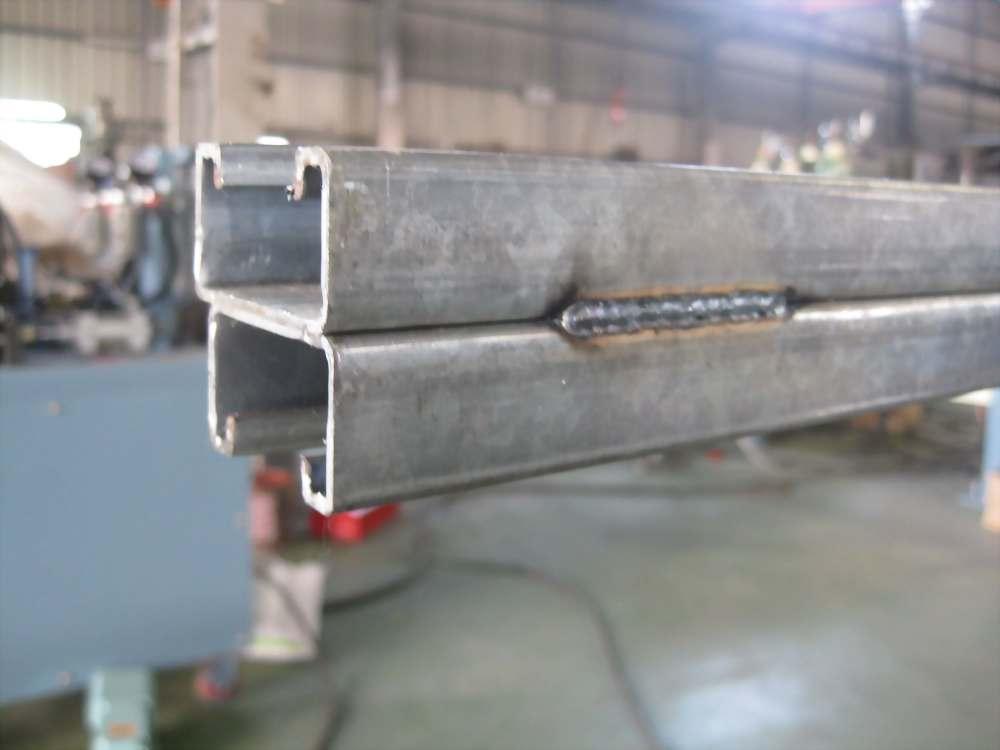 CO2雙槍工件位移焊接