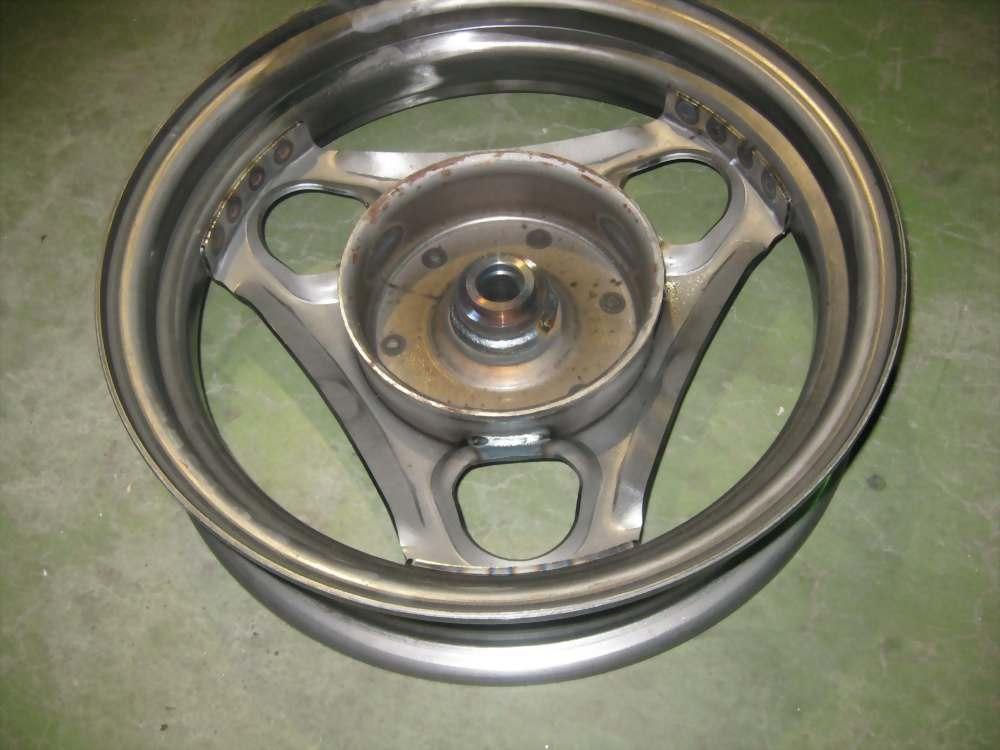 伺服旋轉三缸點焊(焊輪圈)