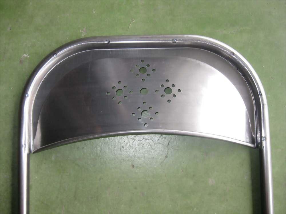 多點式點焊(焊椅子靠背)