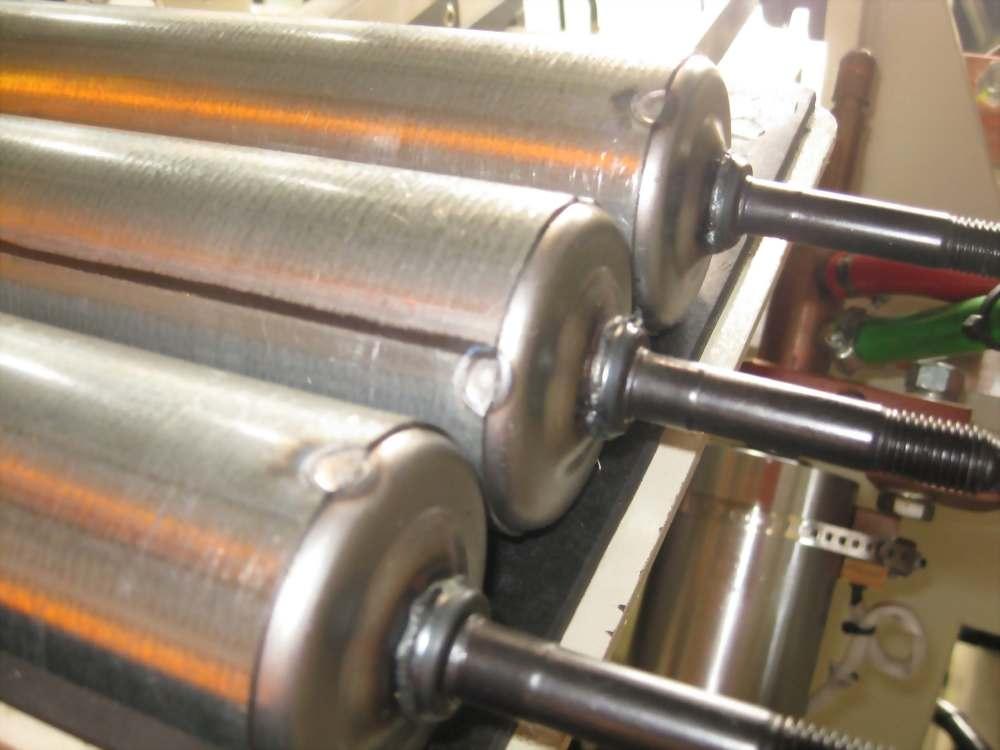 伺服定位4缸點焊(焊壁震器)