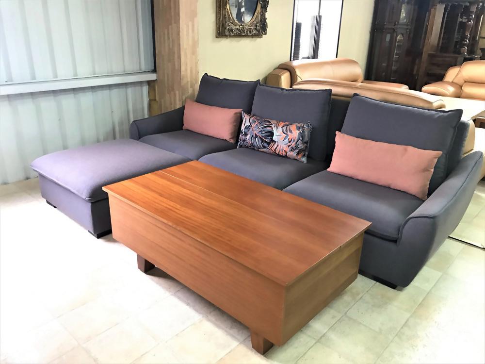 特價出清-L型乳膠皮沙發(含抱枕)