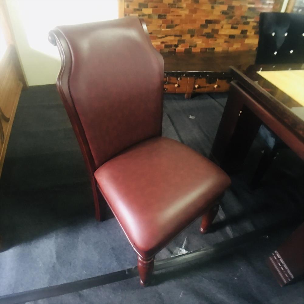 皮製單人餐椅
