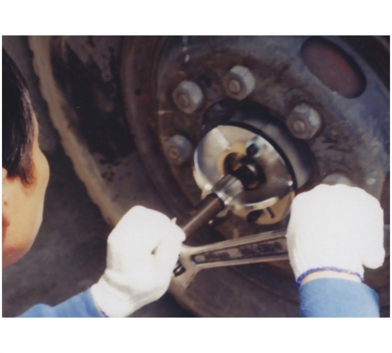CR-30-前剎車鼓拔器