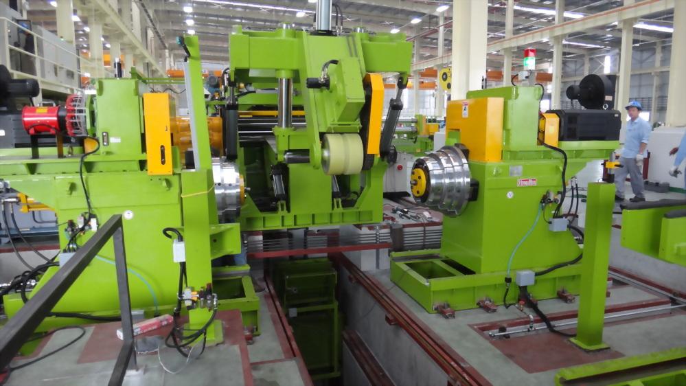 9 mmt Slitting Line - Slitting heads x 2 + Tools turret