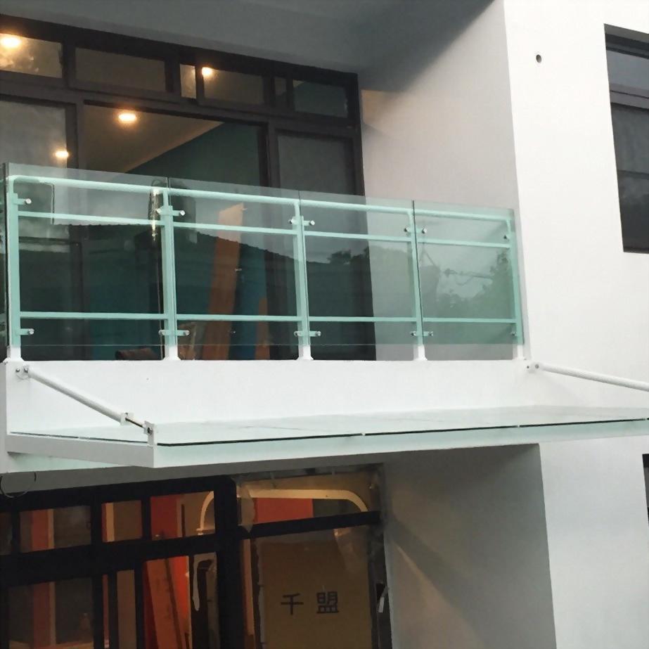 採光罩+玻璃欄杆