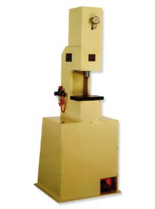 氣液增壓式鉚釘機
