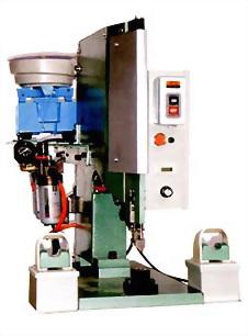 氣壓式鉚釘機(自動送料)