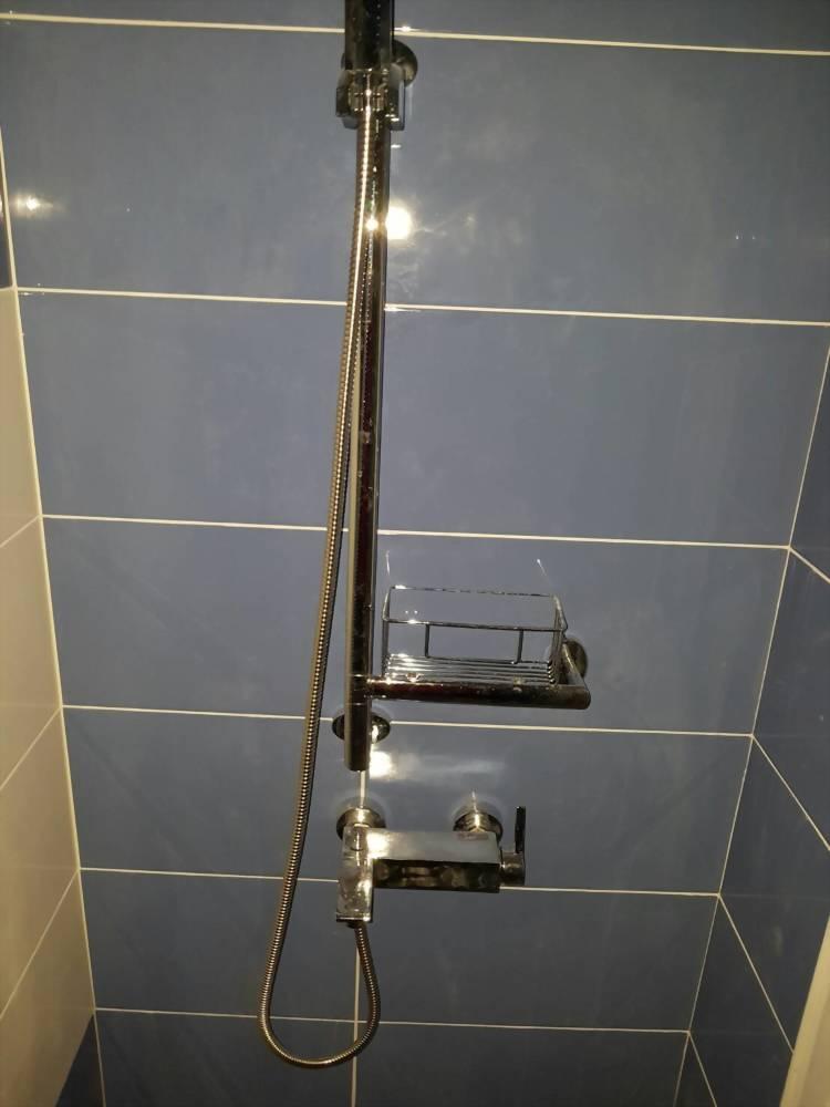 完工照-淋浴區壁磚