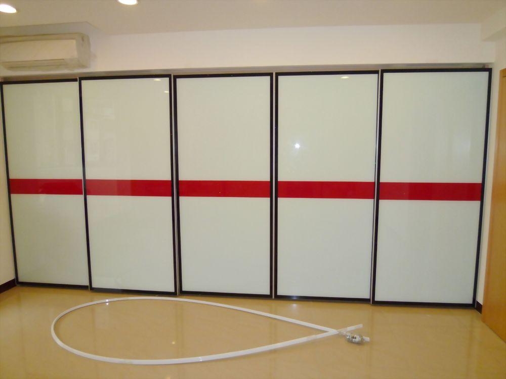 烤漆玻璃衣櫃造型